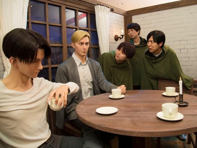 Attack on Titan Voice Cast Visits Universal Studios Japan